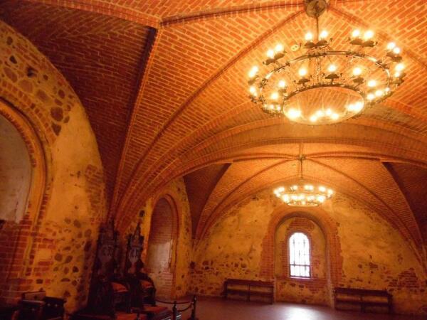 Тронный зал замка