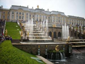Путешествие в Санкт-Петербург: куда сходить? Петродворец, фонтаны