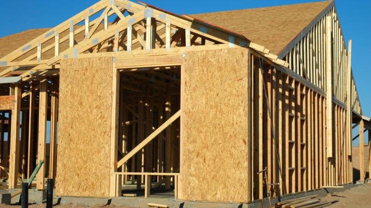 Каркасное строительство: насколько крепким и тёплым будет дом?