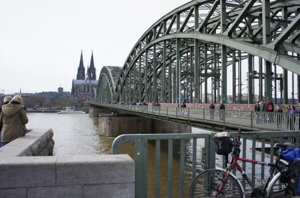 Мост Hohenzollern Bridge