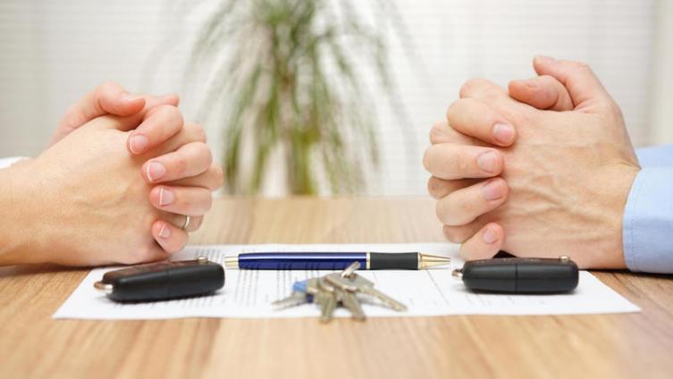 Какие могут быть необычные причины для развода?