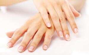 Что такое красивые женские руки? Часть 1: белоручки со спущенными рукавами