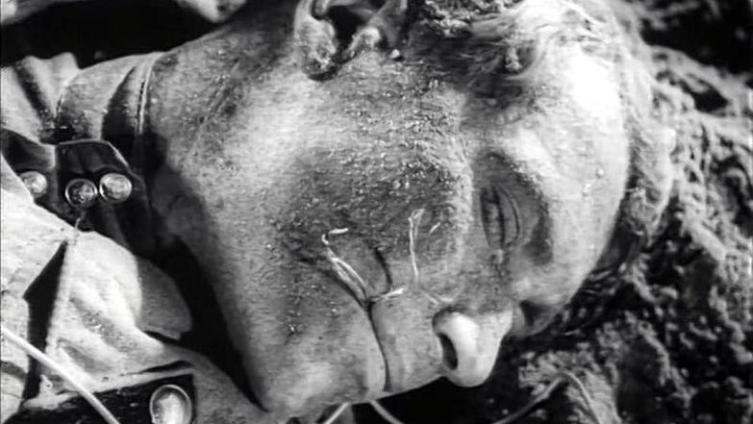 Подвиг шофёра Минутки из к-ф «Великий перелом» (1945).