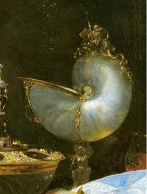 Виллем Кальф, Роскошный натюрморт с сахарницей Гольбейна, кубком из наутилуса и тарелкой с фруктами, фрагмент «Кубок из наутилуса»