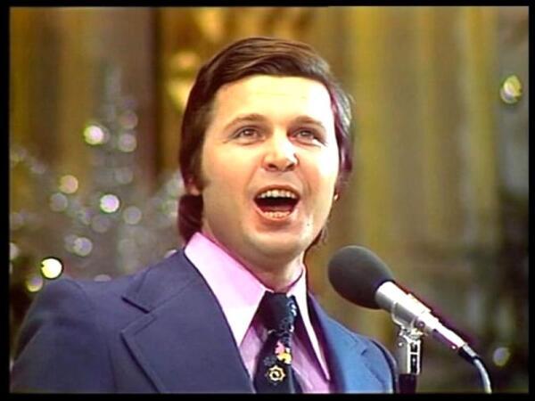 Лещенко поёт