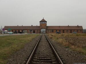 Как выживали в концлагерях? Часть 2: лагерный быт