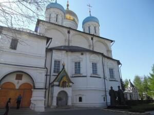Чем знаменит Новоспасский монастырь? Усыпальница Романовых и Княжна Тараканова