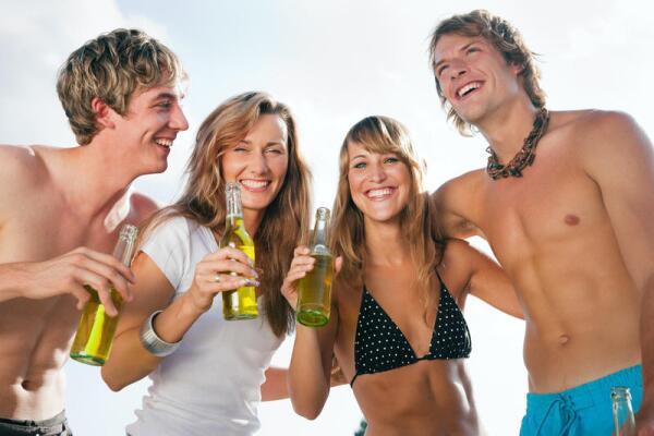 Как алкоголь влияет на социальное поведение?