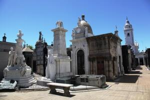 Путешествие в Аргентину. Где находится один из самых красивых некрополей в мире? Легенды и предания