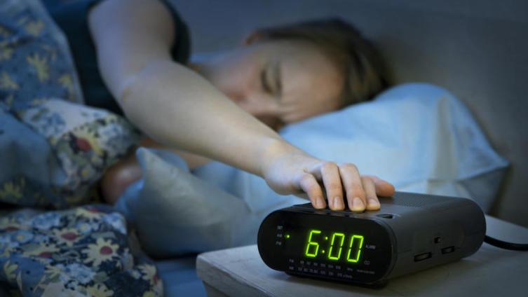 Что разбудит утром?