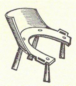 Средневековый стульчик для роженицы