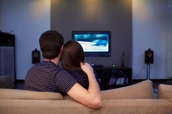 Какие сериалы смотреть в июне? «Люди», «Крик», «Зверинец»