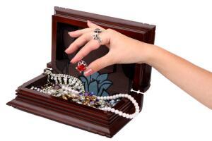 Психология на кончиках пальцев. Почему полезно носить кольца?