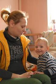 Жительница социального дома с ребенком