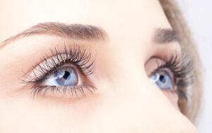 Какого цвета могут быть глаза у человека?