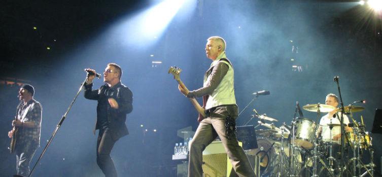 Группа U2 в 2009 году