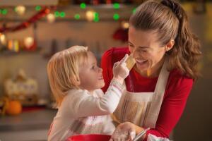 Как прекратить истерику ребенка и привлечь его к работе по дому с помощью игровых ситуаций?