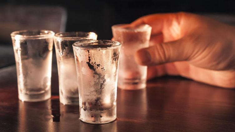 Как употреблять спиртные напитки?