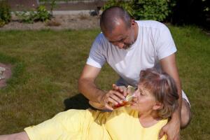 Что делать, если в доме болезнь Альцгеймера?