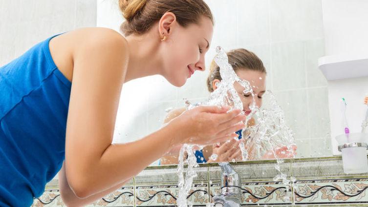 Полезны ли обливания холодной водой?