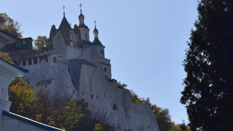 Николаевская церковь. Вид с монастырского двора.