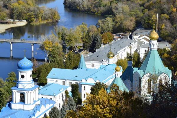 Вид со смотровой площадки Николаевской церкви