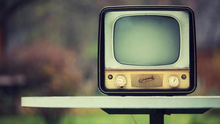 Почему 80% людей после 25 лет полностью утрачивают способность к мышлению из-за ТВ?
