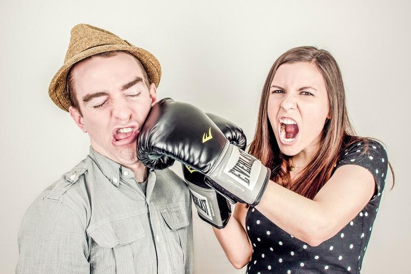 В семье разлад, так и дому не рад. Как обходить острые углы в отношениях?