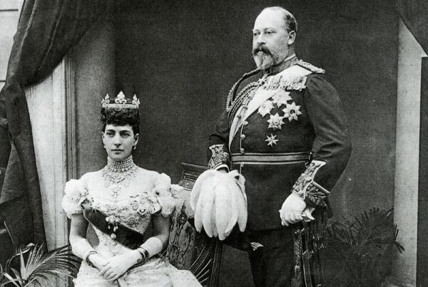 Как Александра Датская жила в замужестве с принцем Уэльским?