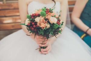 Каким может быть зимний букет невесты?
