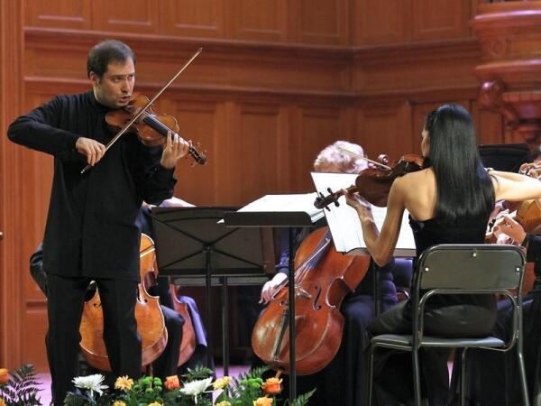 Являетесь поклонником классической музыки? 21 декабря на сцене театра «Новая Опера» состоится предновогодний концерт.