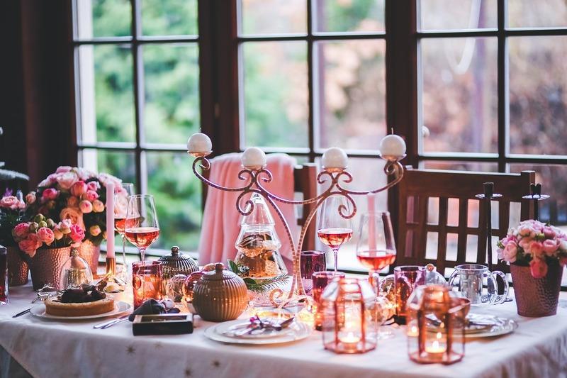 Как оформить стол к Новому году?