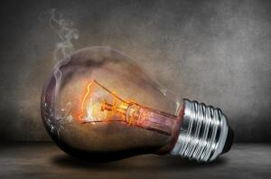 Какая лампочка эффективнее?