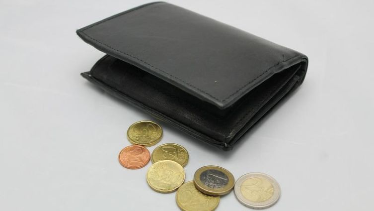 Как проявляется неразумное финансовое поведение?