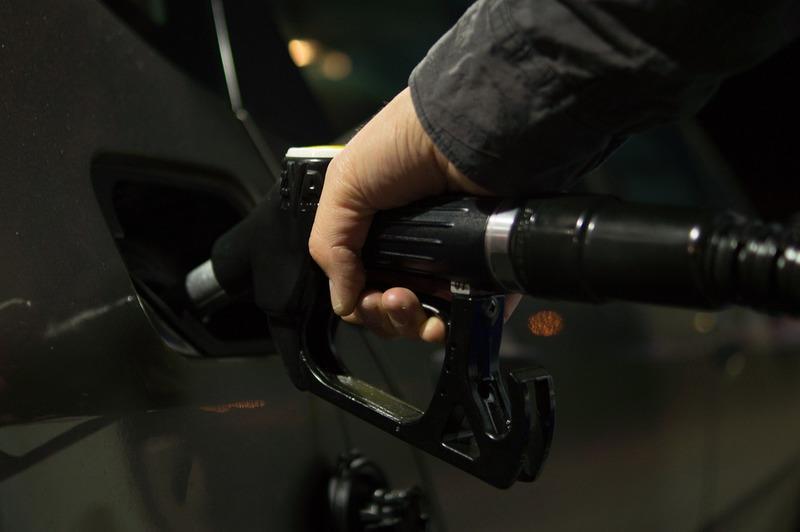 Автолюбителю на заметку. Что делать, если заправились некачественным топливом?