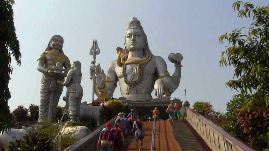 Самая высокая в Индии статуя Шивы