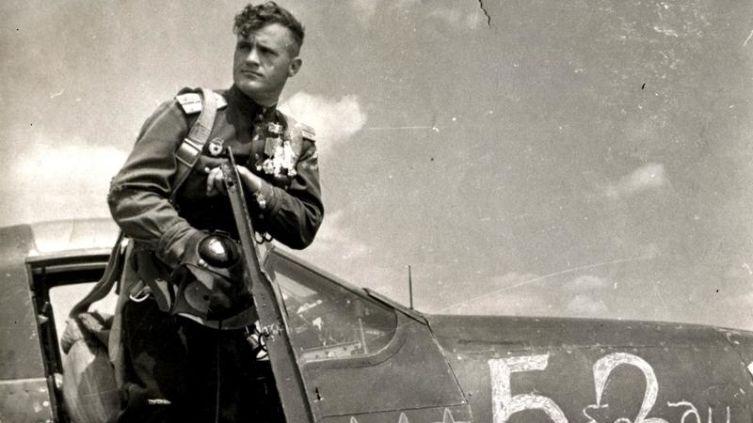 Какими они были, те «старики», что шли в бой? Николай Дмитриевич Гулаев. Часть 1: буду лётчиком!