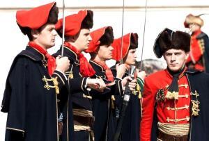 История галстука - 1. Как французский король и хорватские солдаты галстук придумали?