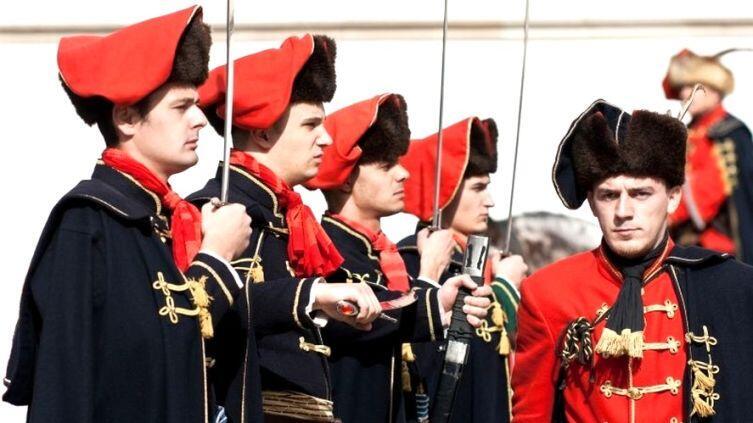 Хорватский полк на праздновании Международного дня галстука в 2012 году.