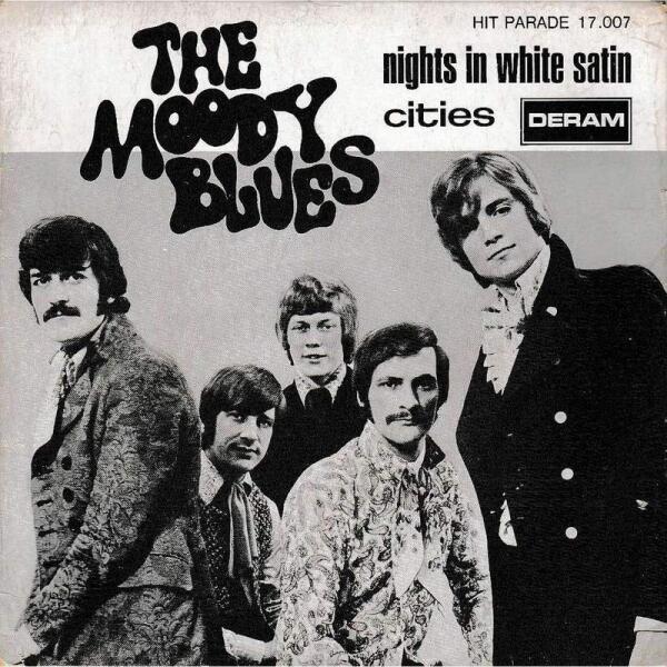 Жабо эпохи 1960-х. Группа THE MOODY BLUES.
