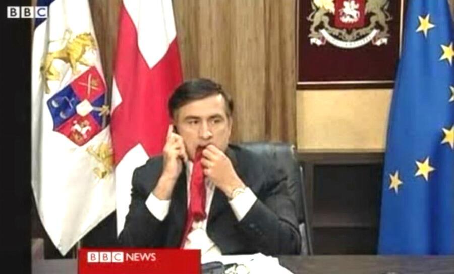 Эпизод с галстуком Саакашвили в 2008 году.