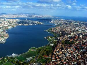Стамбул. Пройдёмся по берегу залива Золотой Рог?