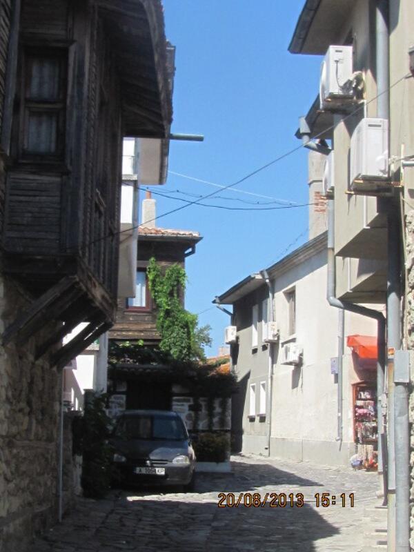 Улица Несебра