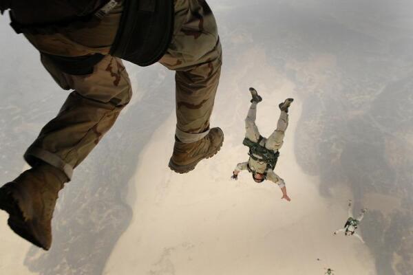 Прыжок с парашютом. Как звучит небесная тишина?