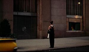 Знаменитые кинонаряды. Как было создано самое известное «маленькое чёрное платье» всех времён?