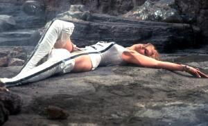 Знаменитые кинонаряды. Как одеваются космические амазонки и принцессы?