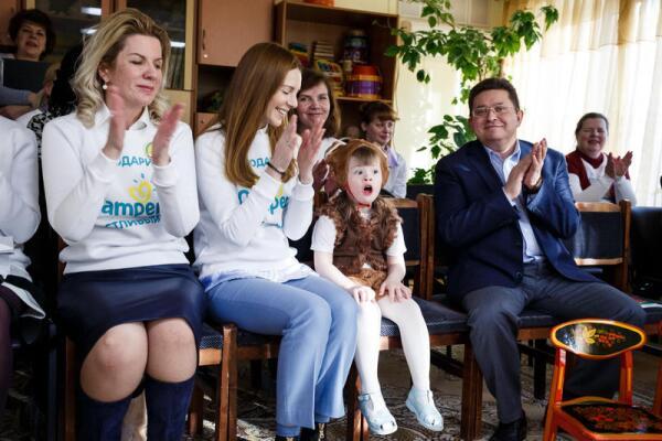 Запас доброты и заботы для малышей от Pampers и Натальи Подольской. Как прошла благотворительная акция «Подари счастливый сон»?