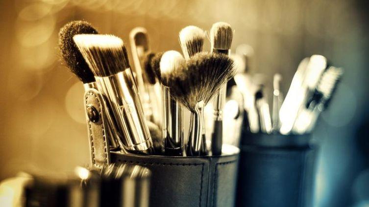 Зачем англичанкам макияж?