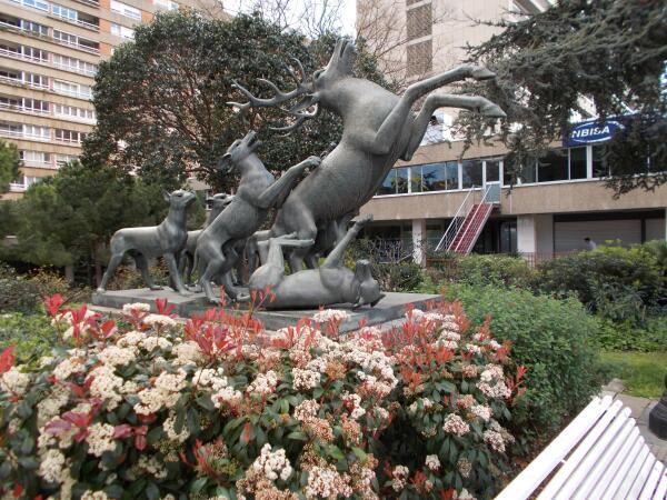 Барселона - город малых и больших скульптурных форм