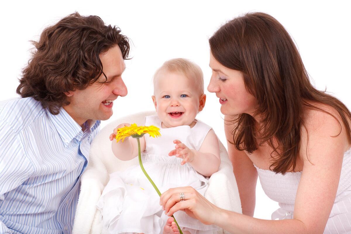 Картинки мама и папа с малышом и мамой